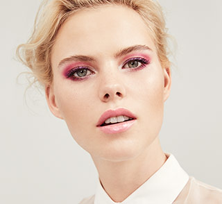 See how-to steps for the Dawn 'til Dusk makeup artist look from Mary Kay.
